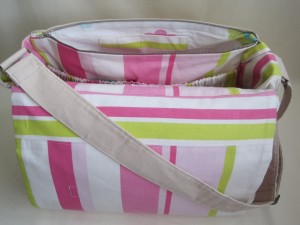 The Essential baby bag - Inside